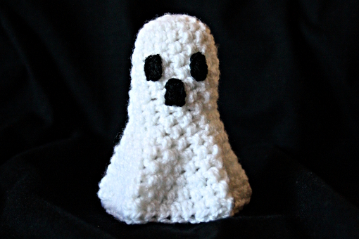 free crochet pattern - Halloween Ghost