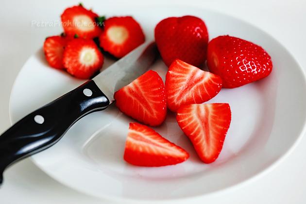 strawberry meringue squares