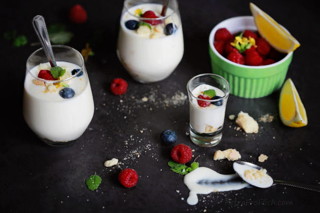 swedish-creme-with-berries