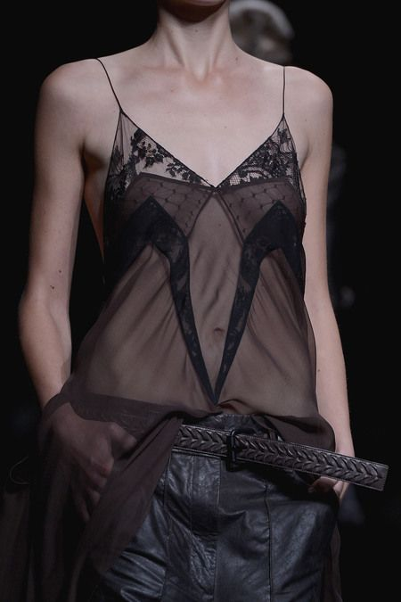 25-ways-to-wear-lingerie-as-a-part-of-your-outfit21
