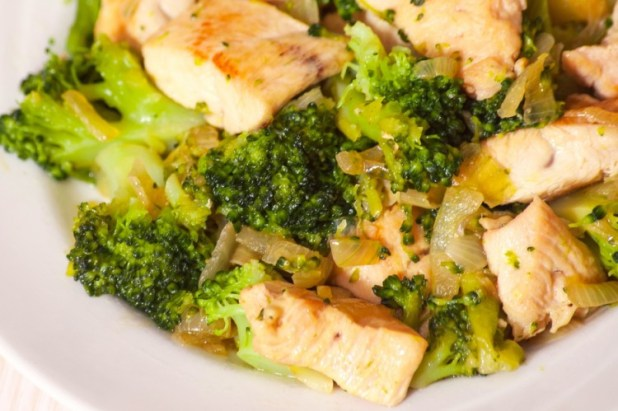 One-Skillet-Chicken-and-Broccoli-Recipe-e1455983084843