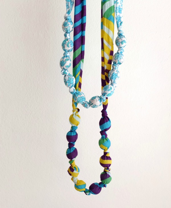 bead-necklace-wooden-beads-vs-marbles
