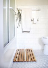 Cedar Bath Mat To Calm Your Feet