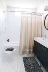 Neutral, Fashion Forward & Rephreshing Spring Bathroom