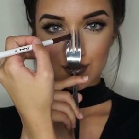 Use A Fork To Get A Perfect and Sleek Nose Contour