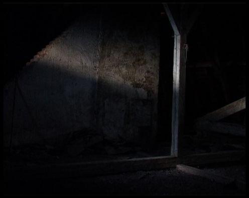 grenier lumière fenêtre