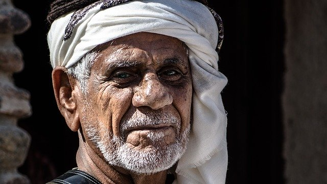 Perjalanan Singkat Menuntut Ilmu Imam Syafii