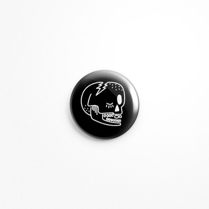 Skull Wink, Black Button