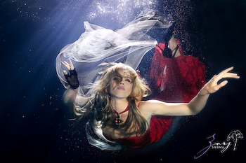Heirdom of Atlantis: First Underwater Photo Session by Zorz Studios (11)