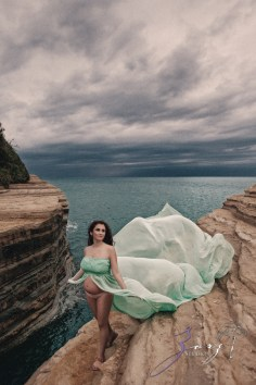Sprout to Roots: Destination Maternity Shoot in Greece (53)