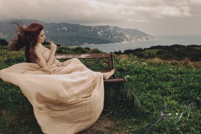 Sprout to Roots: Destination Maternity Shoot in Greece (44)