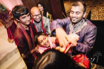 Phillyng in Love: Shruti + Milan = Indian Wedding by Zorz Studios (103)