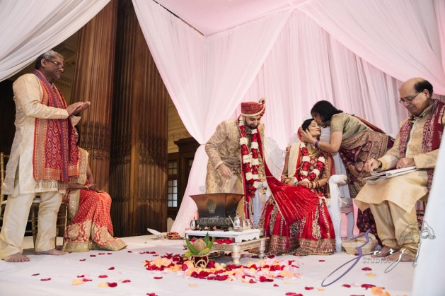 Phillyng in Love: Shruti + Milan = Indian Wedding by Zorz Studios (74)