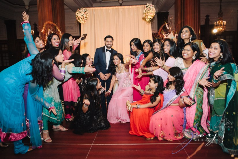 Phillyng in Love: Shruti + Milan = Indian Wedding by Zorz Studios (46)