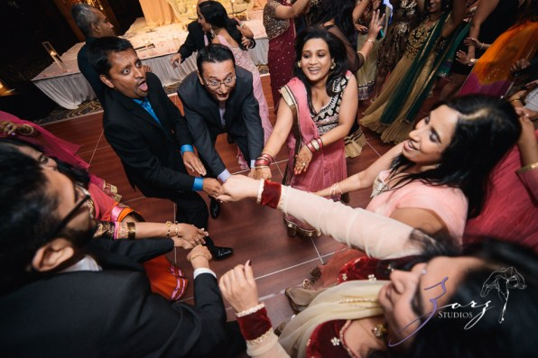 Phillyng in Love: Shruti + Milan = Indian Wedding by Zorz Studios (26)