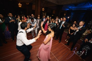 Phillyng in Love: Shruti + Milan = Indian Wedding by Zorz Studios (20)