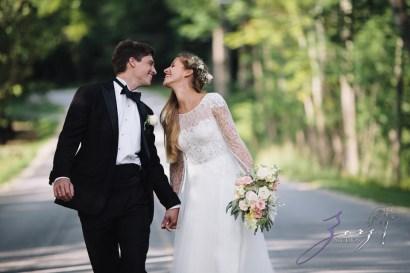 Wolke 9: Jana + David = German-American Rustic Wedding in Vermont by Zorz Studios (60)