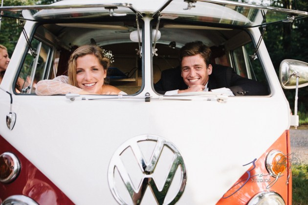 Wolke 9: Jana + David = German-American Rustic Wedding in Vermont by Zorz Studios (38)