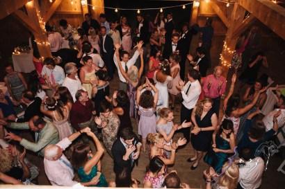 Wolke 9: Jana + David = German-American Rustic Wedding in Vermont by Zorz Studios (21)