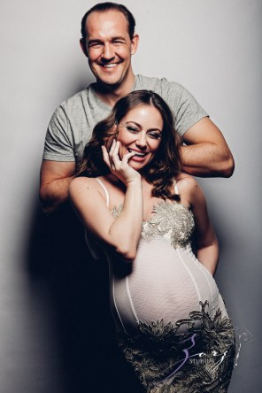 Model Release: Chic Maternity Session by Zorz Studios (13)