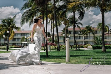 MerMarried: Destination Wedding in Mexico by Zorz Studios (54)