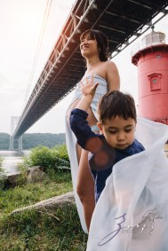 Cassis: Little Red Lighthouse Maternity Session by Zorz Studios (19)