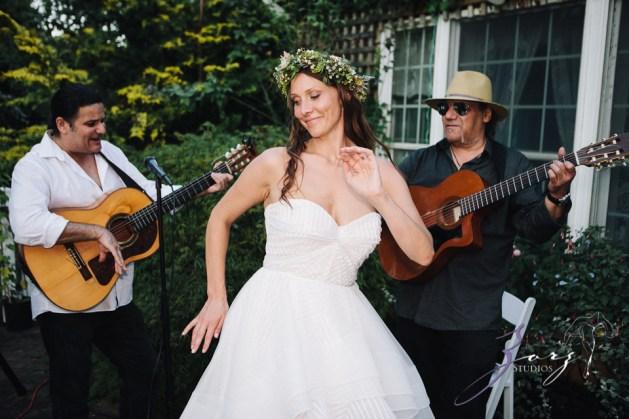 Birth of Venus: Alexandra + Ricardo = Rustic Wedding by Zorz Studios (17)