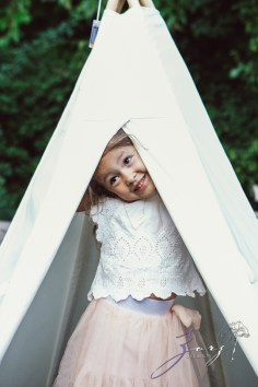 Teepee: Bohemian Family Photoshoot by Zorz Studios (44)
