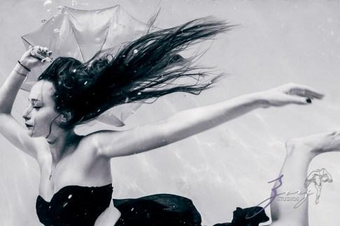 Sweetwater: Sweet 16 Underwater Photoshoot by Zorz Studios (7)