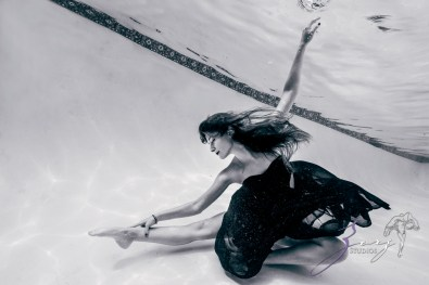 Sweetwater: Sweet 16 Underwater Photoshoot by Zorz Studios (4)