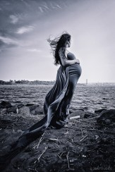 Creative Maternity and Pregnancy Photos in New York and Worldwide (78)