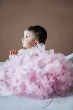 Big Eyes: Adorable Baby Girl Photoshoot by Zorz Studios (30)