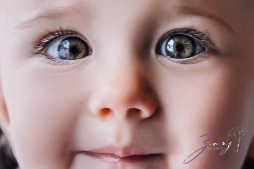 Big Eyes: Adorable Baby Girl Photoshoot by Zorz Studios (25)