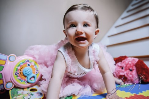 Big Eyes: Adorable Baby Girl Photoshoot by Zorz Studios (18)