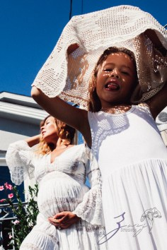 Cuatro+: Whimsical Family Maternity Session by Zorz Studios (28)