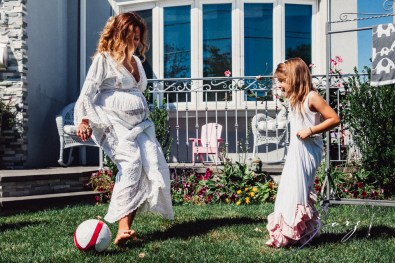 Cuatro+: Whimsical Family Maternity Session by Zorz Studios (24)