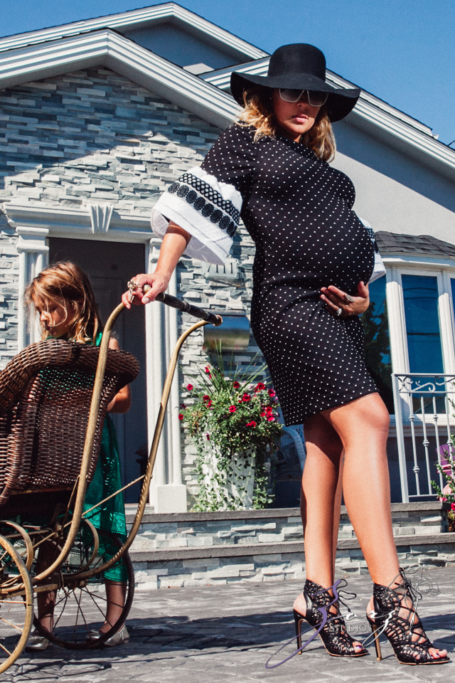 Cuatro+: Whimsical Family Maternity Session by Zorz Studios (11)