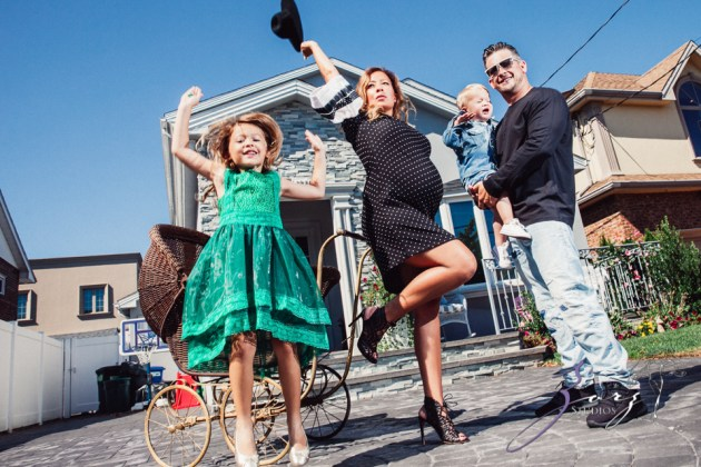 Cuatro+: Whimsical Family Maternity Session by Zorz Studios (6)
