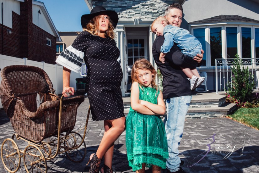 Cuatro+: Whimsical Family Maternity Session by Zorz Studios (5)