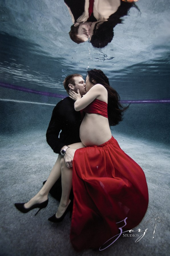 Vivacity: Stylish Underwater Maternity Shoot by Zorz Studios (ZORPHOTOUR 2018) (5)