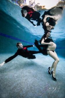 Vivacity: Stylish Underwater Maternity Shoot by Zorz Studios (ZORPHOTOUR 2018) (3)