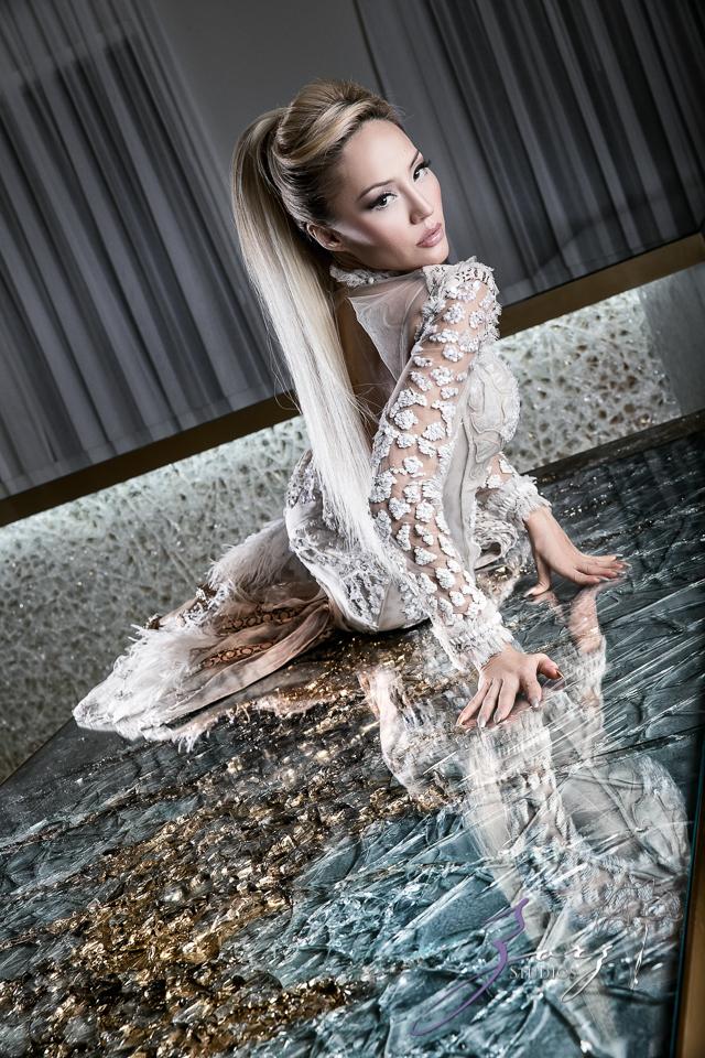 High Glass: Beauty of Lillian Gorbachincky of Cosmopolitan Glass, Squared | Zorz Studios (12)