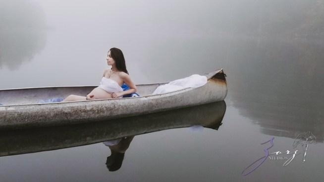 Best Shod: Photographer's Wife Maternity Shoots in Epic Locations by Zorz Studios (8)