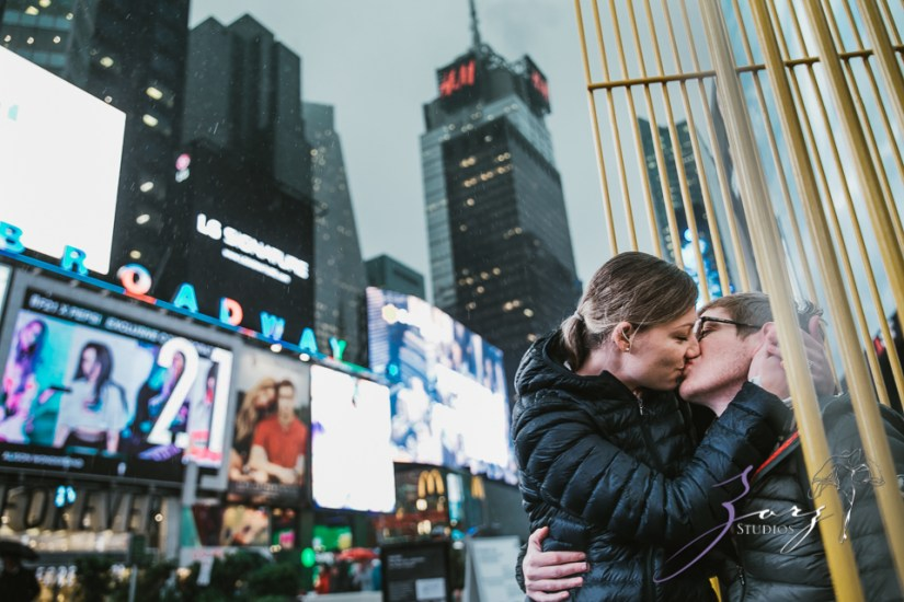 Trop Précieux: Frenchman's Marriage Proposal on Times Square by Zorz Studios (18)