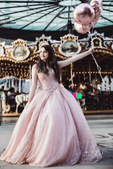 Regalo: Loving Parents Give a Gift of All-Day Quinceanera Photography by Zorz Studios (14)