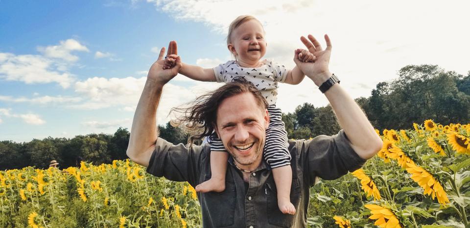 Sunmaze: My Family in Sunflowers by Zorz Studios (3)