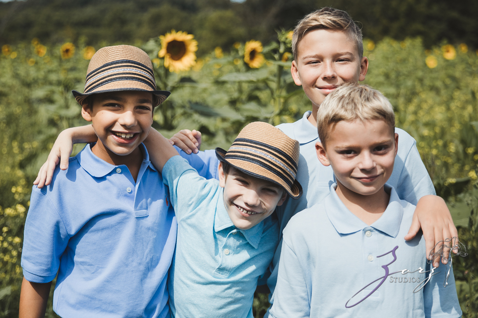 Field Trap: Sunflower Field Photoshoot for Three Families by Zorz Studios (51)