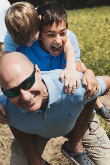 Field Trap: Sunflower Field Photoshoot for Three Families by Zorz Studios (28)