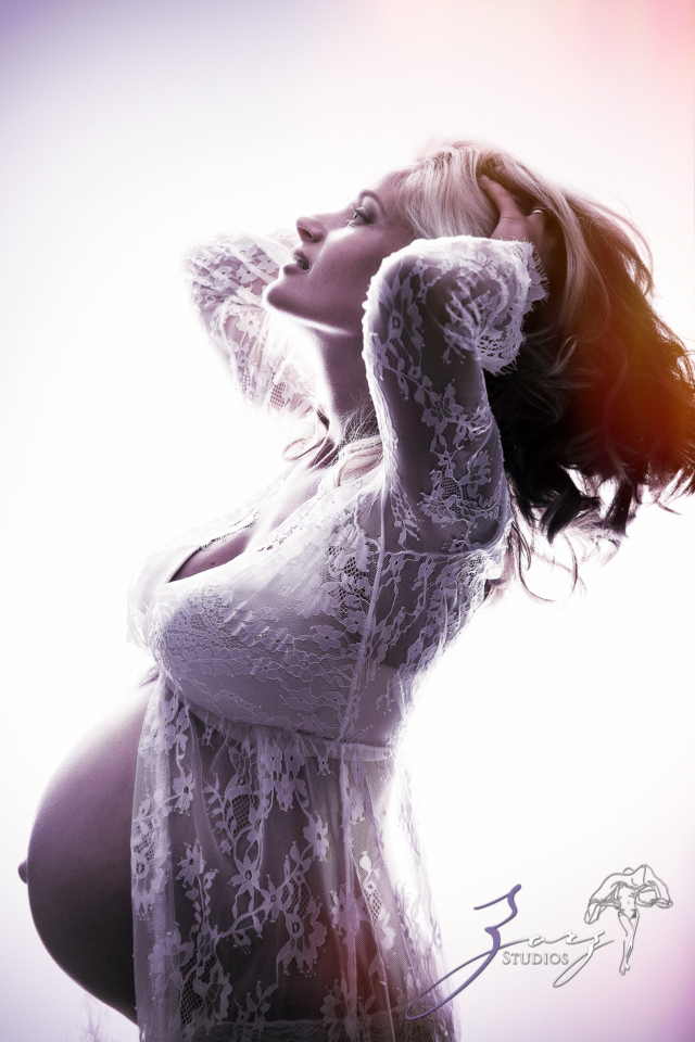 Catchup: Last-Minute Maternity Photoshoot by Zorz Studios (31)