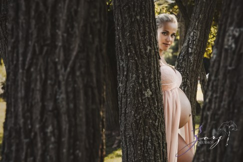 Catchup: Last-Minute Maternity Photoshoot by Zorz Studios (22)